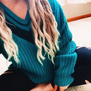 Oversized deep v varsity vintage sweater p8